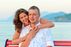 Couple  embracing near the sea Royalty Free Stock Photography
