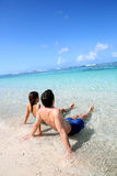 Couple enjoying tropical vacation Royalty Free Stock Photos