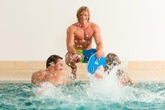 Couple exercising Aquarobics Royalty Free Stock Photos