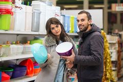 Couple At Groceries Store Royalty Free Stock Photos