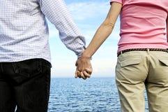 couple hands holding Στοκ Φωτογραφίες