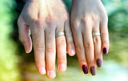 Couple hands with wedding rings Royalty Free Stock Images