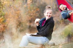 Free Couple Having Fun On A Picnic Stock Photo - 156783600