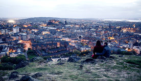 Couple on hill in Edinburgh Stock Images