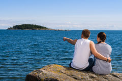 Couple and horizon Royalty Free Stock Image