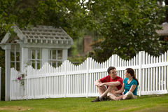 couple horizontal staring στοκ φωτογραφία με δικαίωμα ελεύθερης χρήσης