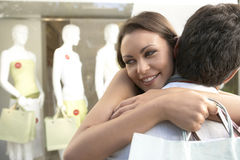 Couple Hugging Shopping Royalty Free Stock Images