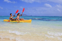 Couple kayaking Royalty Free Stock Image