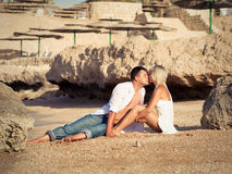 Couple  kissed on beach Royalty Free Stock Photography