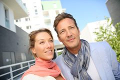 Couple looking for new appartement to buy in residential area Stock Photos