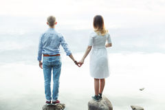 Couple in love on the beach Royalty Free Stock Photos