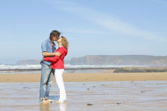 Couple in love at the beach Royalty Free Stock Image