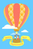 Couple in love on a hot air balloon Royalty Free Stock Photos