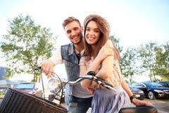 couple love outdoors Στοκ εικόνες με δικαίωμα ελεύθερης χρήσης