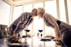 Couple in luxury restaurant Royalty Free Stock Photos