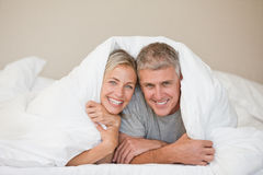 Couple lying down Royalty Free Stock Photography