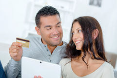 Couple making on-line purchase Royalty Free Stock Photography
