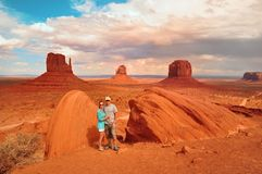 Couple in Monument Valley Tribal Park USA Stock Images