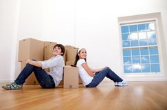 Couple moving Royalty Free Stock Images