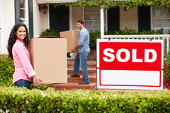 Couple moving into new home Royalty Free Stock Image