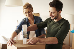 Free Couple Moving New Home Stock Photo - 83984610