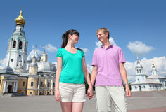 Couple near cathedral Royalty Free Stock Images