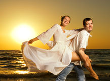 Couple near the ocean Royalty Free Stock Images