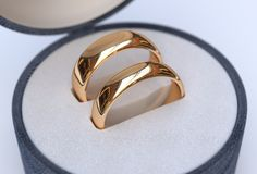 Couple Of Gold Wedding Rings In Jewelry Blue Box Royalty Free Stock Photo