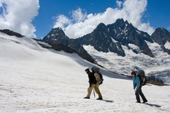 Free Couple Of Tourist In Mountains Royalty Free Stock Image - 6244586