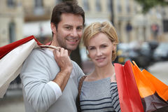 Couple out shopping together Royalty Free Stock Photography