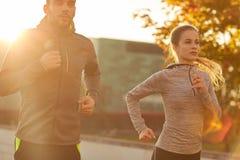 couple outdoors running Στοκ Εικόνες