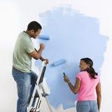 couple painting together Στοκ φωτογραφία με δικαίωμα ελεύθερης χρήσης