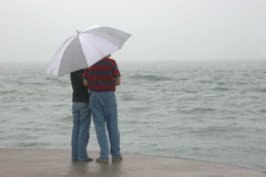 Couple on pier Royalty Free Stock Photography