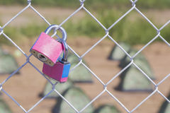 Couple pink padlock Royalty Free Stock Photography