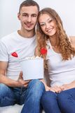 Couple with pop corn Royalty Free Stock Photography