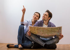 Couple ready to travel Royalty Free Stock Images