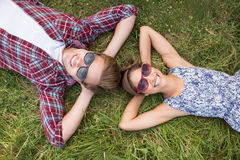 Couple relaxing in the park Royalty Free Stock Photos