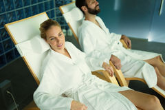 Couple relaxing in spa center Royalty Free Stock Photography