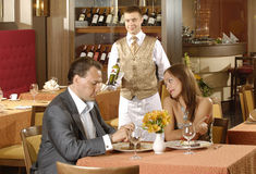 Couple in restaurant Royalty Free Stock Photos