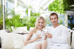 Couple in restaurant Royalty Free Stock Images