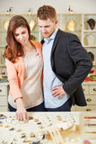 Couple shopping in jewelry store Royalty Free Stock Photography