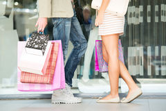 Couple In Shopping Royalty Free Stock Photos