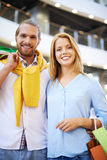 Couple in shopping mall Royalty Free Stock Photography