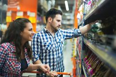 Couple shopping in store for food royalty free stock photos
