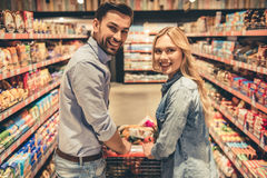Couple at the supermarket Royalty Free Stock Images