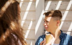 The couple teenage friends with ice cream Royalty Free Stock Photography