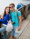 Couple tourists in a city Stock Photography
