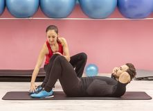 Couple Training in a Gym Royalty Free Stock Image