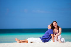 Couple on tropical beach Royalty Free Stock Photography