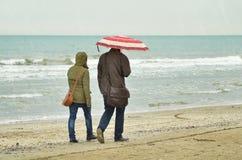 Couple under the rain Royalty Free Stock Photos
